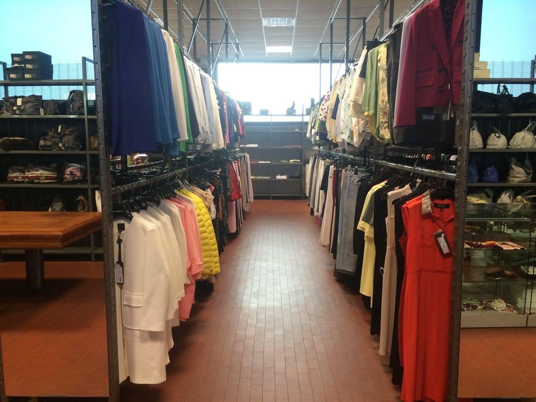 イタリア仕入れアパレルファッションハイブランド