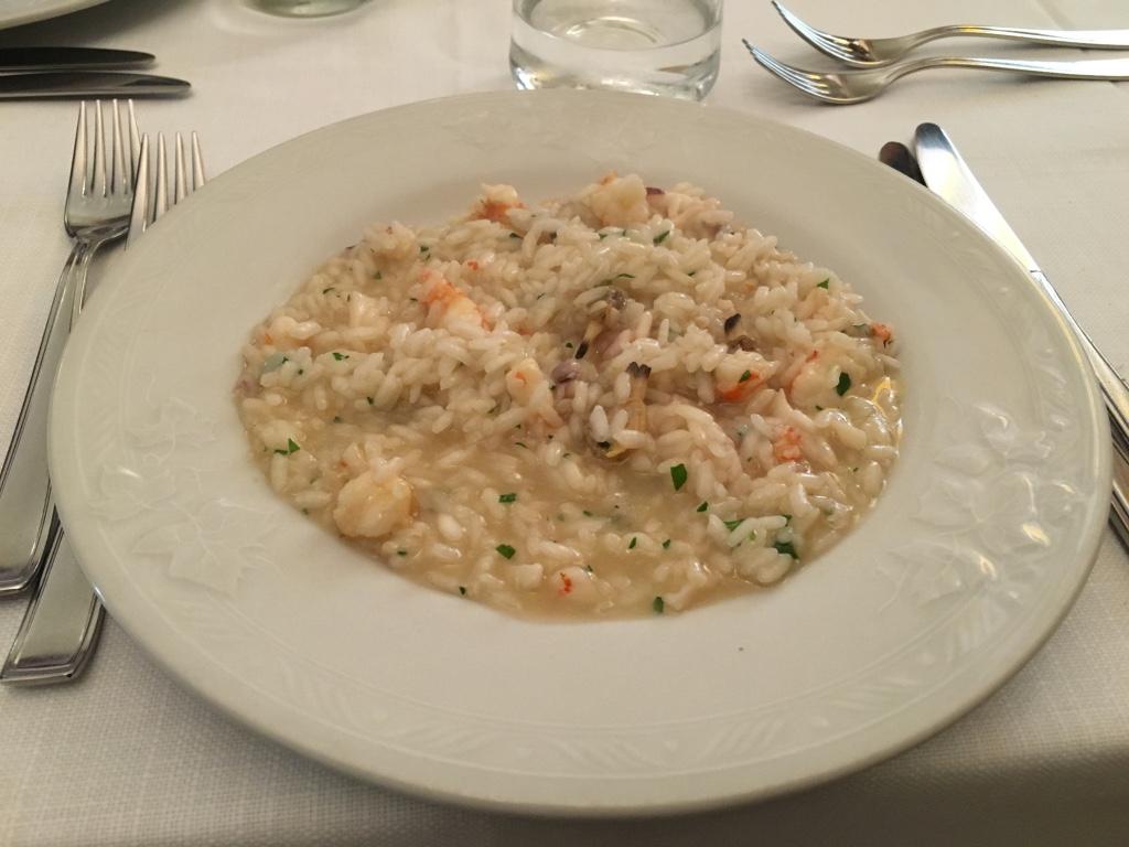 イタリア(フィレンツェ)の海沿いレストランのリゾット